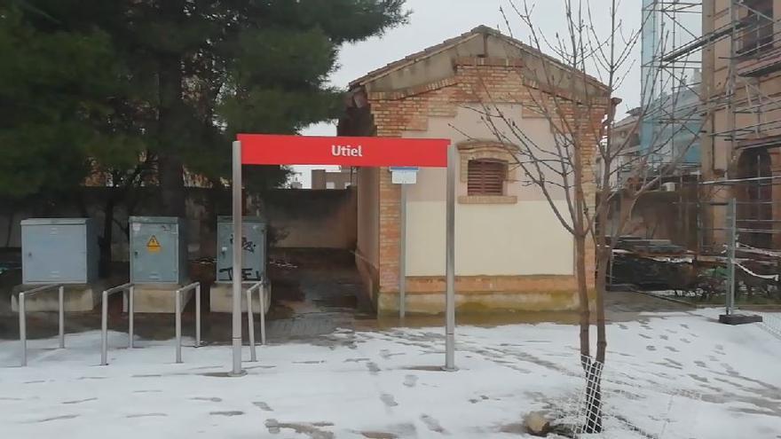 Continúan las nevadas persistentes en Utiel y el interior de Valencia