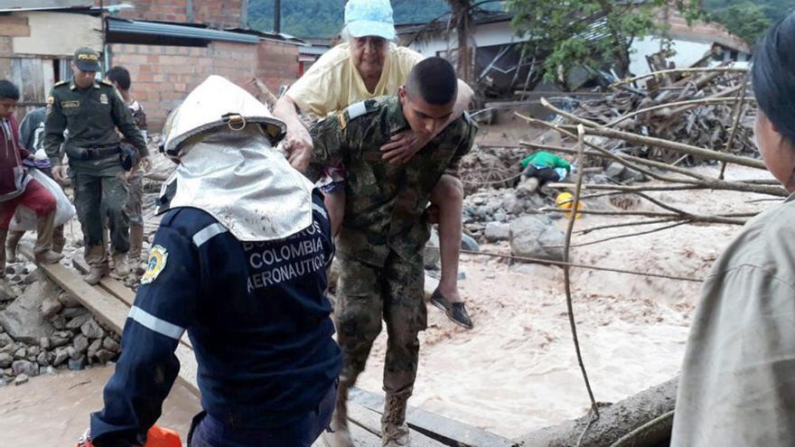 Cientos de muertos por una avalancha de tierra en Colombia