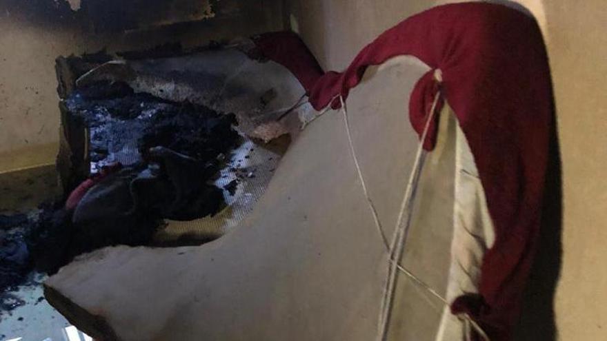 Herido un preso de la cárcel de Villena tras quemarse a lo bonzo en la enfermería