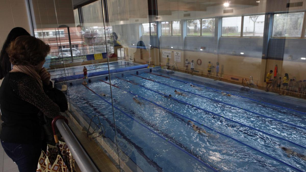 Una piscina municipal de Gijón
