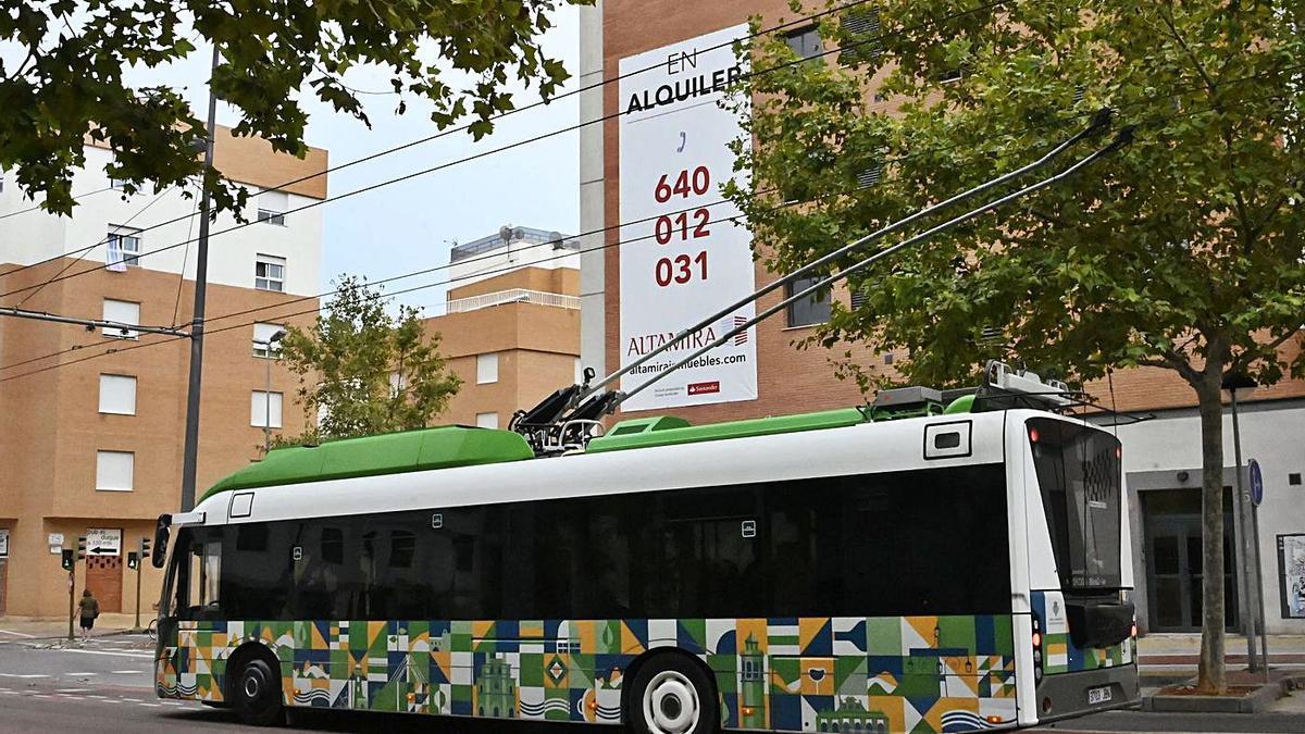 Imagen de archivo de un anuncio de alquiler de pisos en la amplia zona de la Universitat Jaume I. | MANOLO NEBOT