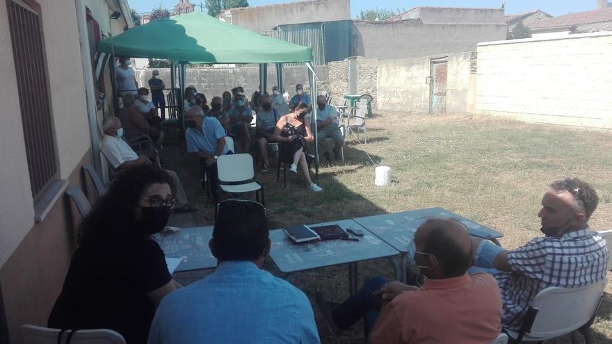 Los vecinos de Carrascal (Zamora) rechazan irse a Santa Elena