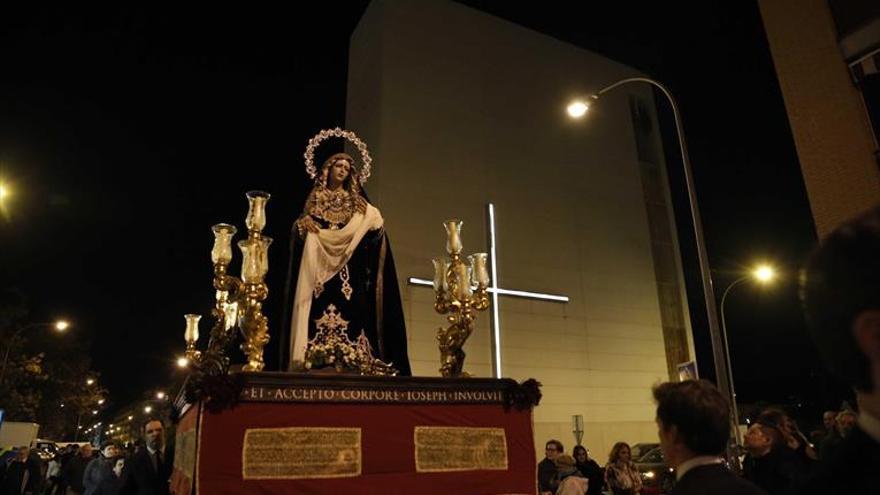 Las vísperas anticiparon una Semana Santa sin pasos en la calle