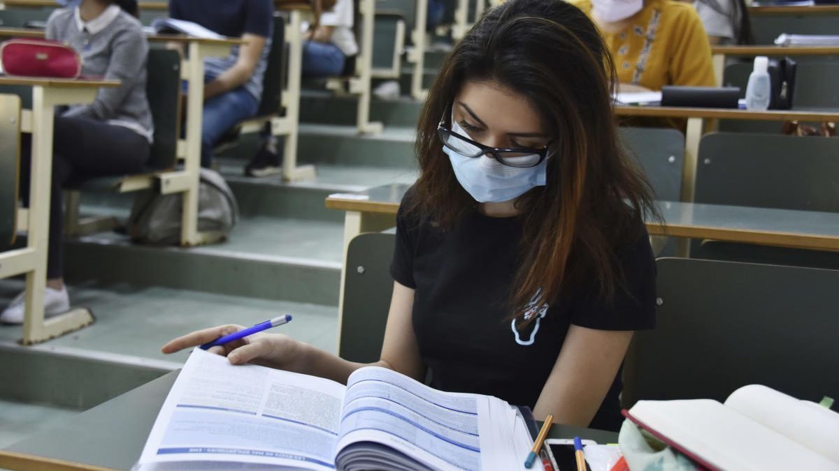 Los alumnos murcianos con tres suspensos no pasarán de curso aunque el Ministerio lo permite