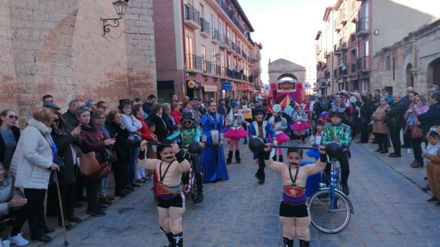 Desfile infantil en el Carnaval de Toro: Relevo garantizado