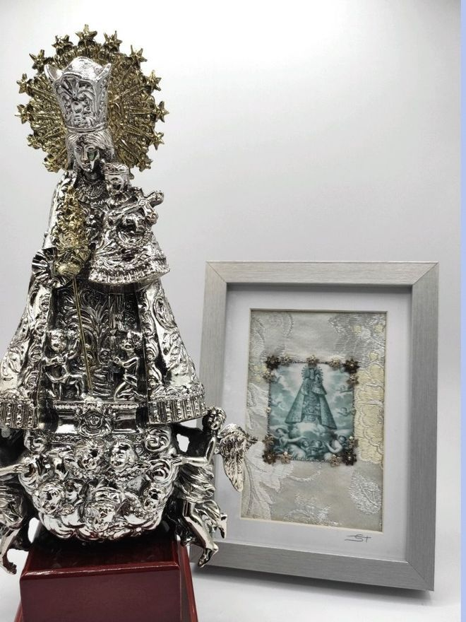 Imagen y cuadro de la Virgen que se pueden adquirir en Espai Ripalda