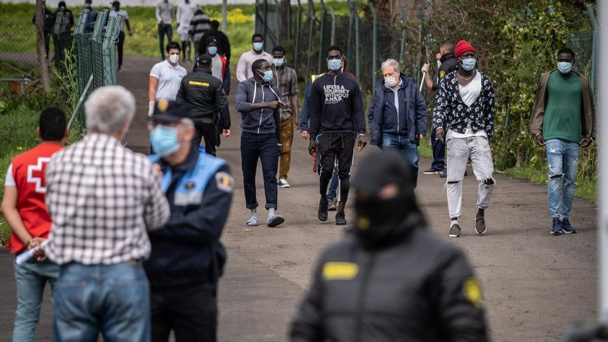 El Gobierno prevé que esta semana se realoje a los migrantes de los hoteles