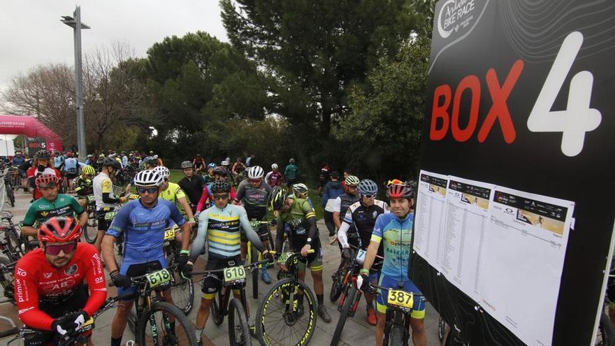 Tomas Visnovsky y Katazina Sosna vencen en una emocionante etapa con final en Córdoba
