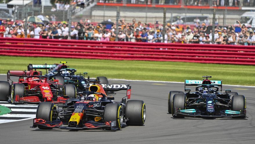 La FIA revisará el accidente entre Verstappen y Hamilton
