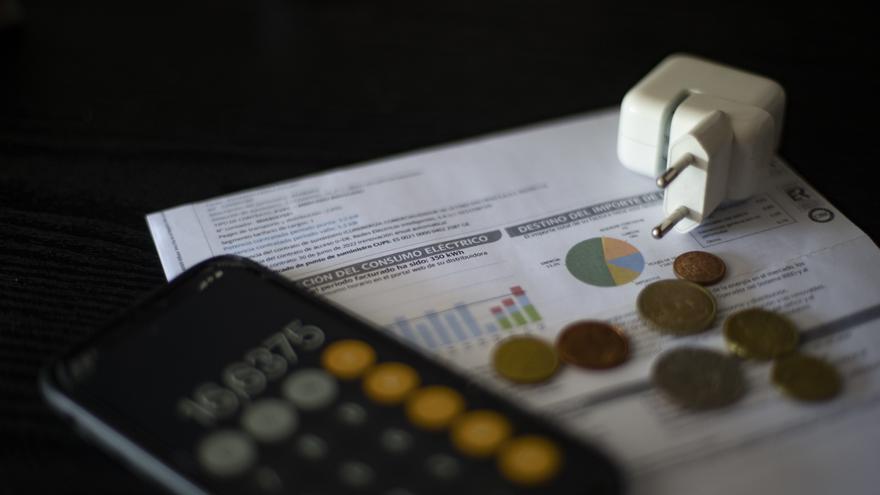 El INE certifica que el precio de la luz sigue desbocado a pesar del plan de choque del Gobierno