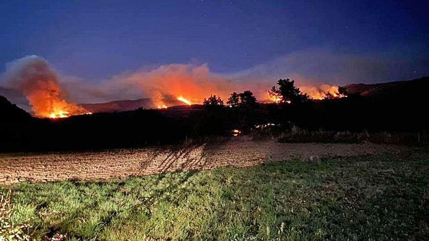 Cinco incendios en una sola noche en Manzaneda