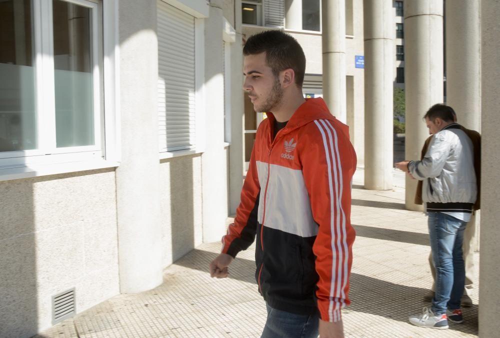 Absuelto el joven que pegó a Rajoy por una agresión a un dirigente de VOX Pontevedra