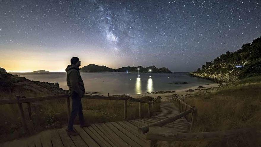 Cíes se convierte en el mayor planetario abierto de Galicia y dispara las excursiones nocturnas