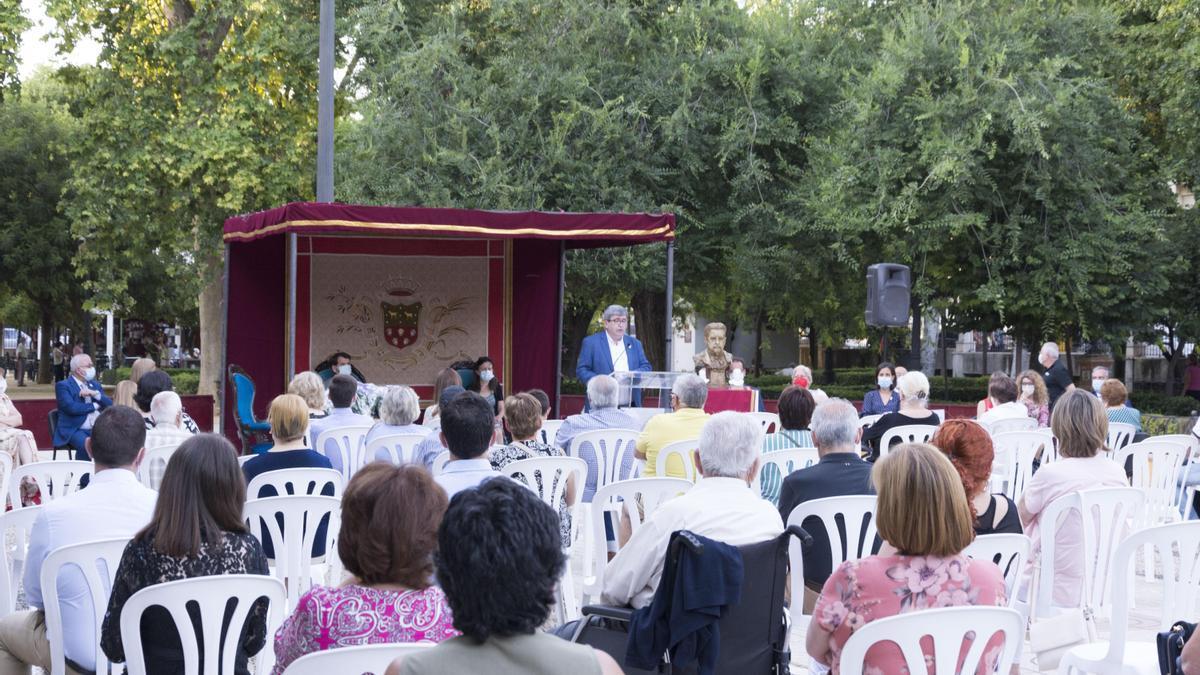Un momento del acto de homenaje a Juan Valera en Cabra.