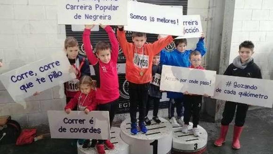 Los pequeños del Atletismo Deza corren en Negreira