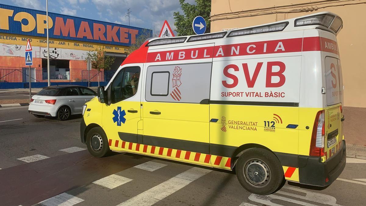 La ambulancia ha trasladado al accidentado al Hospital General