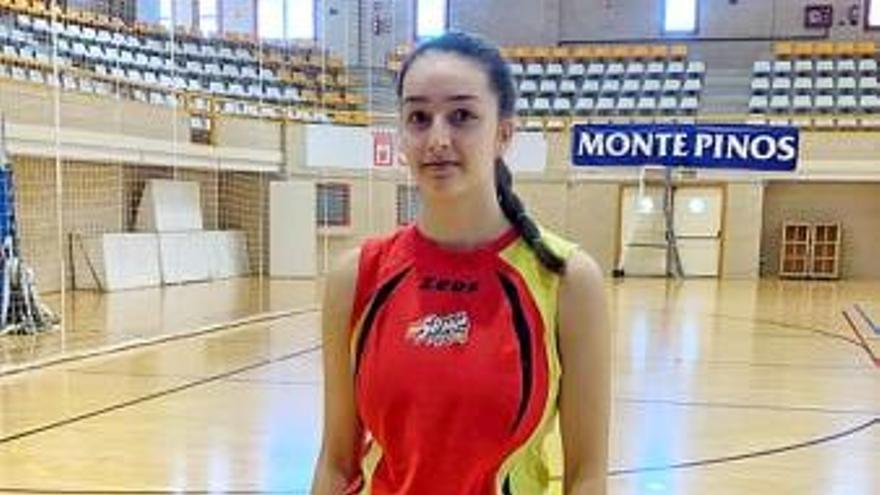 Paula Dago, concentrada con el equipo nacional sub-17