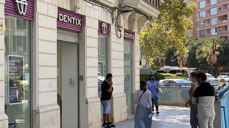 Quiebra de Dentix en Mallorca: los trabajadores reciben amenazas de muerte con un cuchillo