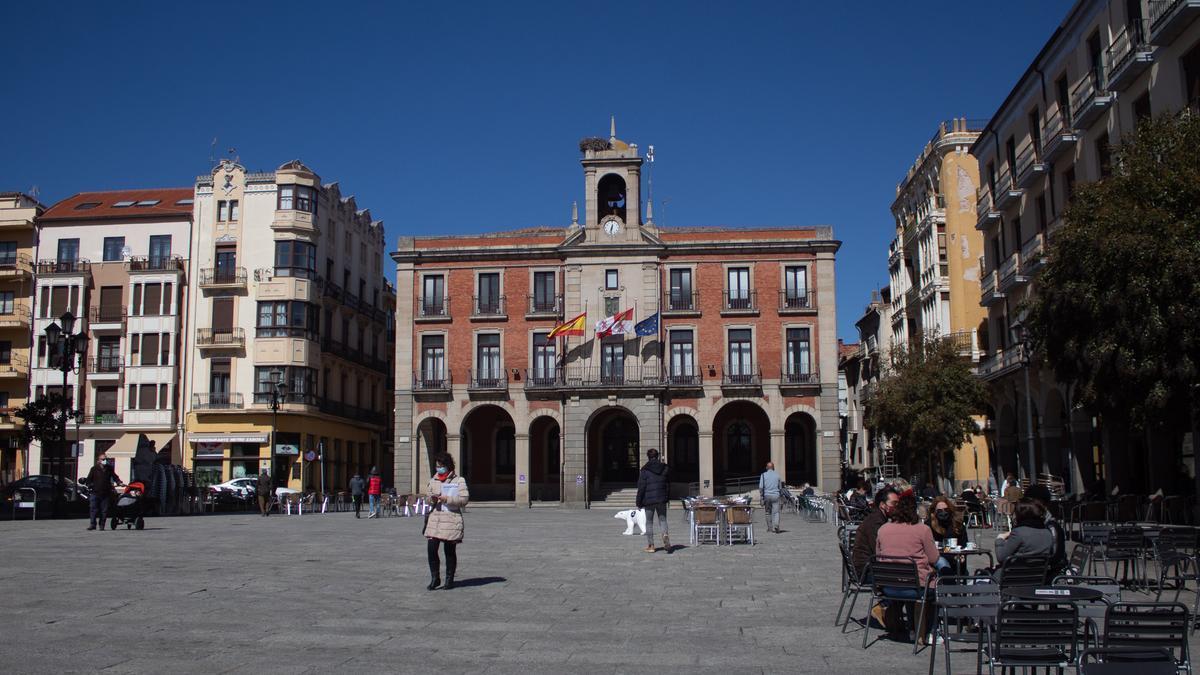 Plaza Mayor y Ayuntamiento de Zamora.