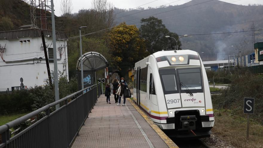 Morcín se desmarca del tren turístico, optando por el plan ecologista de la senda peatonal
