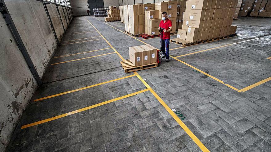 La escasez de contenedores pone en riesgo exportaciones por un valor de 650 millones en la provincia