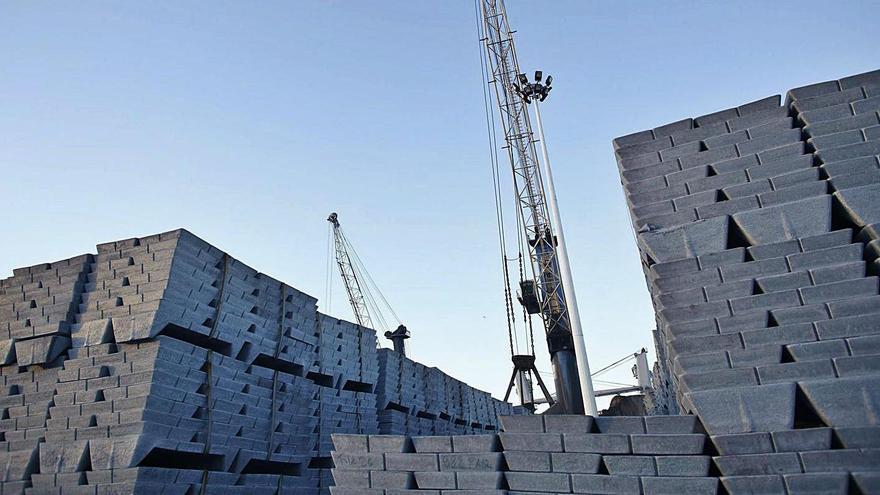 El cinc acumulado en Asturias eleva la cotización del metal en el mundo