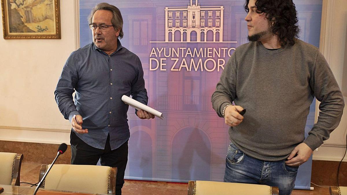 Francisco Guarido y Diego Bernardo, tras una comparecencia de prensa. | Emilio Fraile