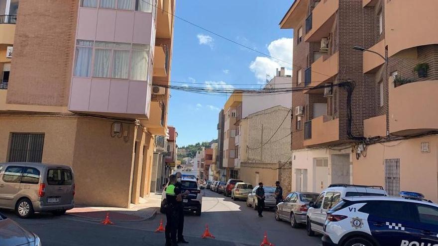 Un hombre acuchilla a su hijo de 30 años y se suicida al saltar por la terraza en Murcia