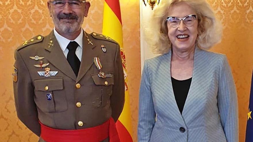 El comandante general de Baleares, galardonado