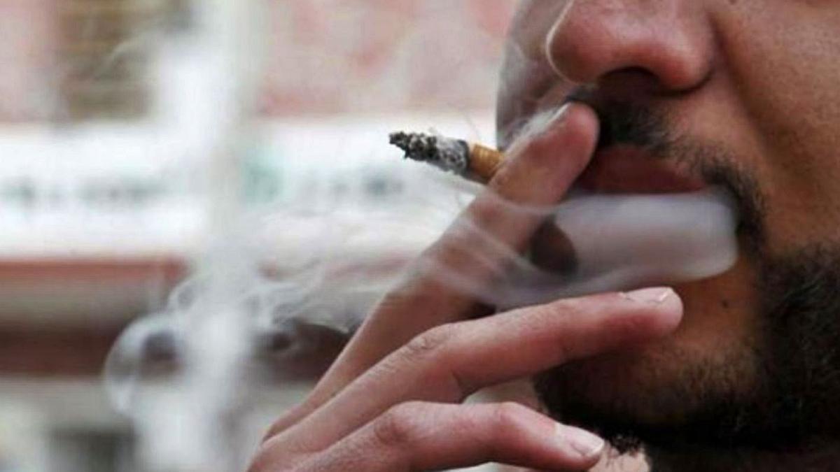 El consumo de tabaco afecta a la mucosa que recubre la faringe.
