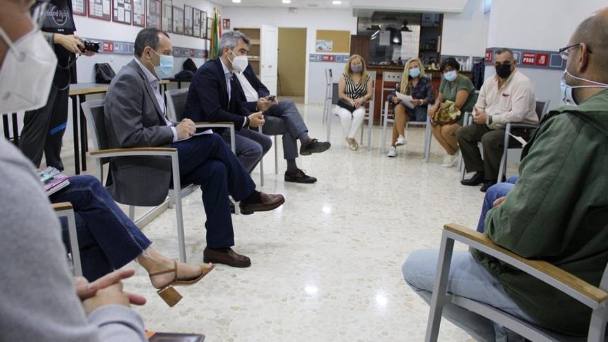 El PSOE pide a la Junta de Andalucía ayudas para mantener Tivoli World