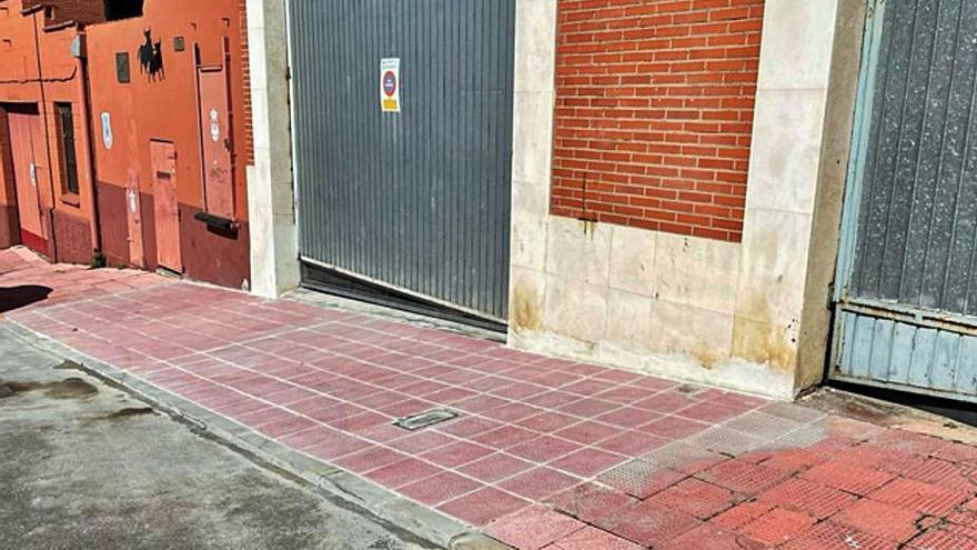 Eliminación de barreras arquitectónicas en las aceras de calle Las Eras en Benavente