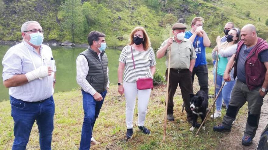 De mina a zona de pastos: Los ganaderos podrán usar el antiguo cielo abierto de la Braña del Río en un mes