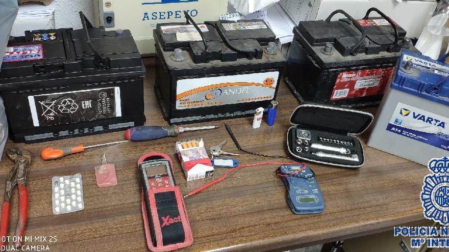 Detenido en Málaga capital por el robo de cuatro baterías de vehículos en una misma noche