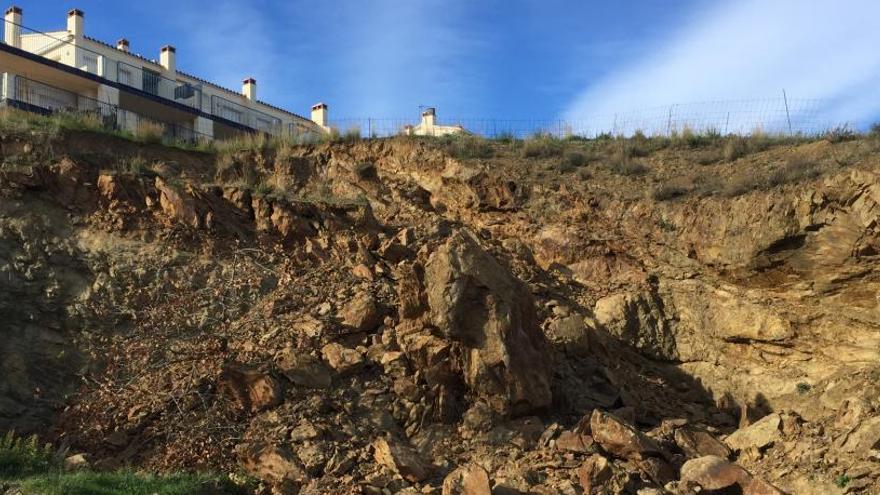 ERC de Llançà alerta del perill d'esfrondament d'un carrer