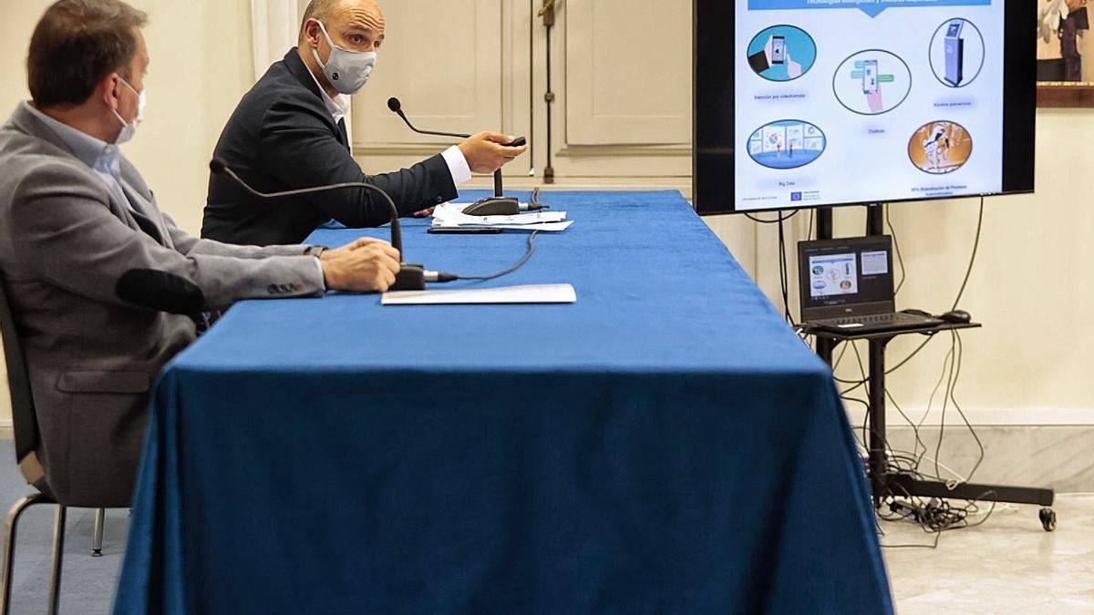 Un momento de la presentación del Plan Estratégico de Información y Atención Multicanal de Santa Cruz.