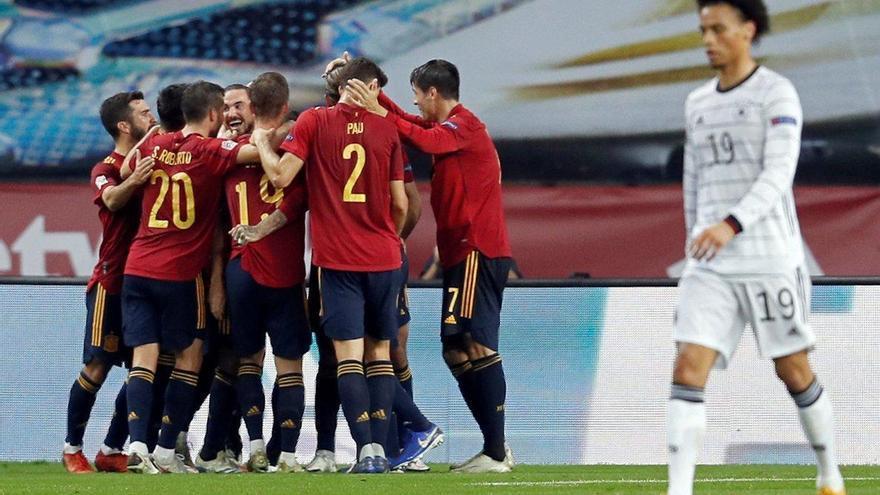 Una España desatada se da un festín ante Alemania