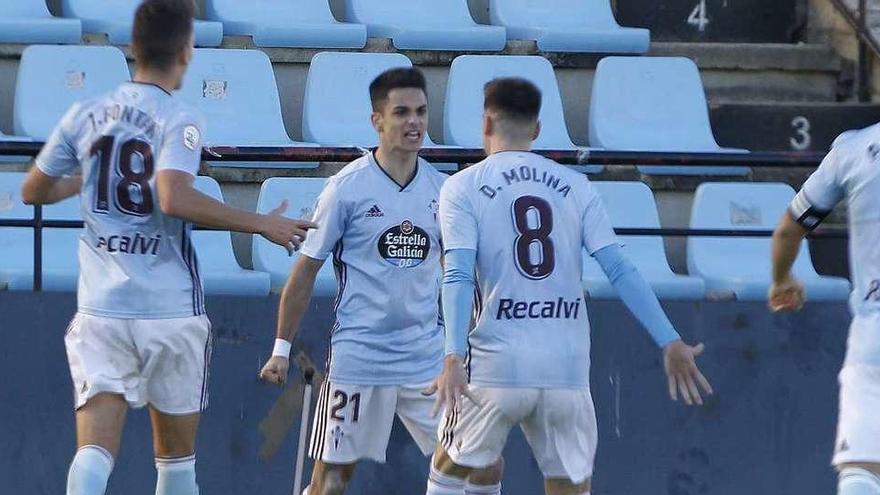 El Zaragoza anuncia cuatro fichajes de una tacada