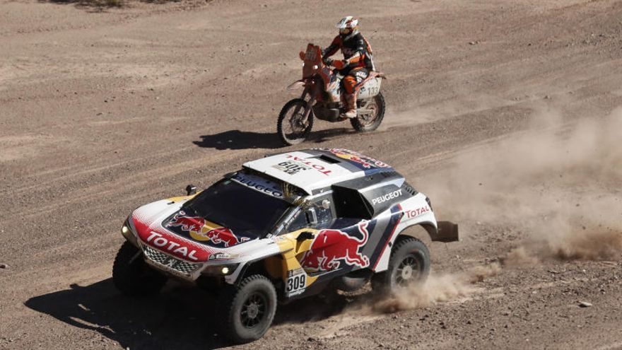 Peterhansel sigue líder del Dakar a falta de dos jornadas