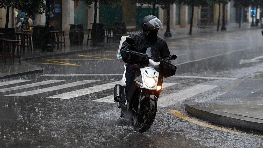 Aemet avisa de una inusual borrasca que repartirá lluvias y granizo a finales de semana