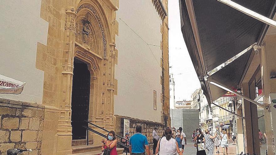 Avanza la restauración de las tres portadas de la iglesia de San Mateo de Lucena