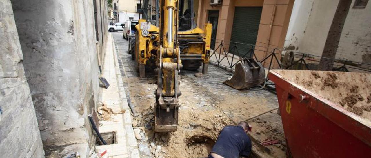 Obras de mejora en la calle Mossèn Uríos del casco histórico | PERALES IBORRA