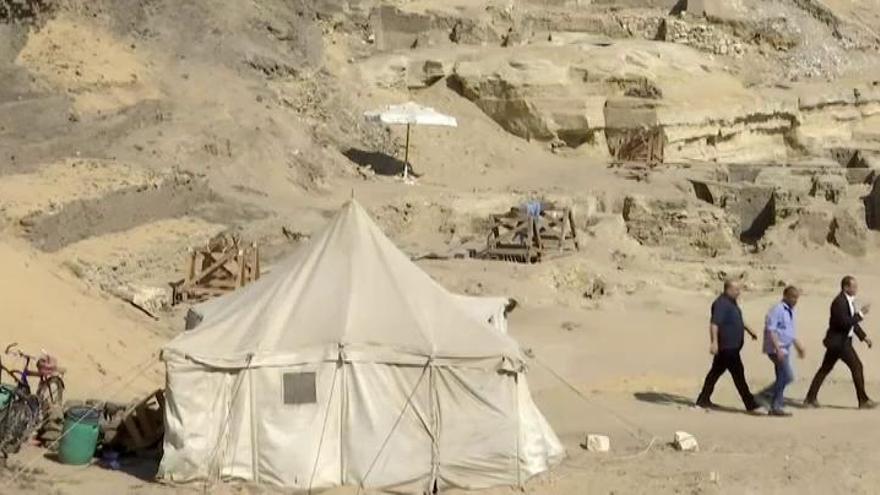 Egipto halla más de un centenar de sarcófagos en la necrópolis de Saqqara