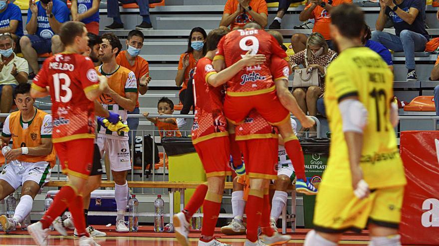 Solano y Juanpi impulsan al Jimbee Cartagena en el debut