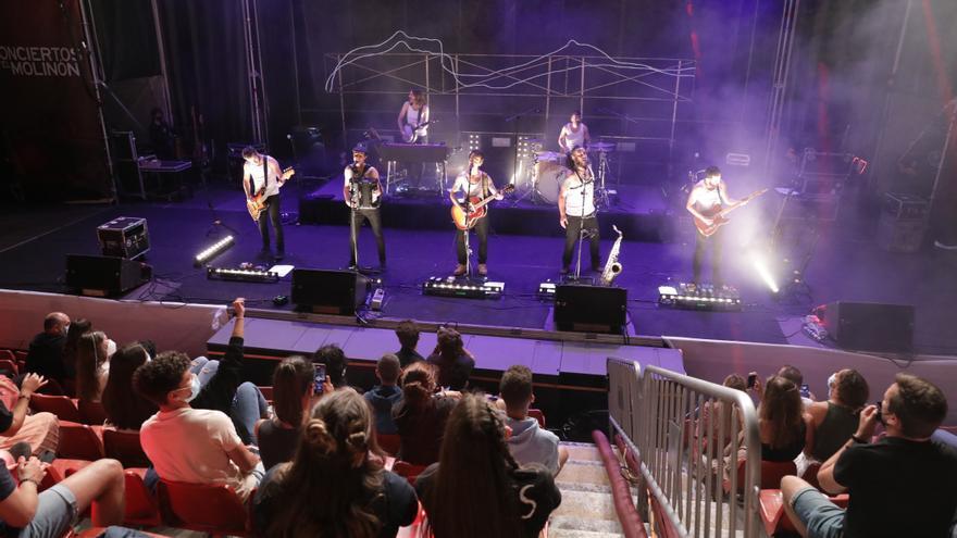 """Noche de ambiente en El Molinón con el concierto de """"La M.O.D.A."""""""