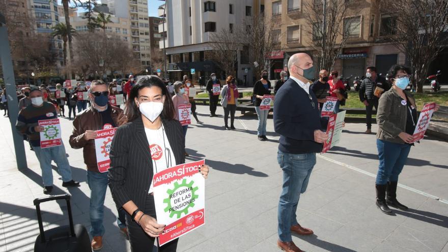 Concentración sindical en Alicante para reclamar la derogación de la reforma laboral