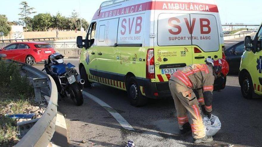 Un motorista entra en parada cardíaca y es trasladado al hospital tras un accidente en Cabanes