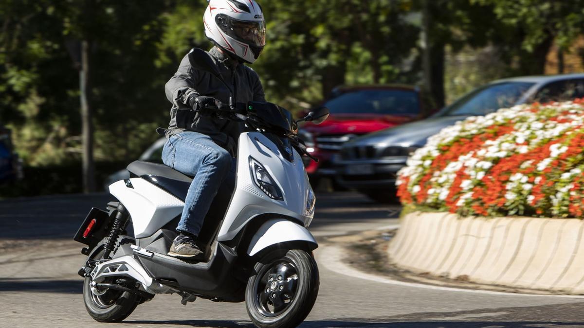 Piaggio 1, lógica eléctrica para la movilidad urbana