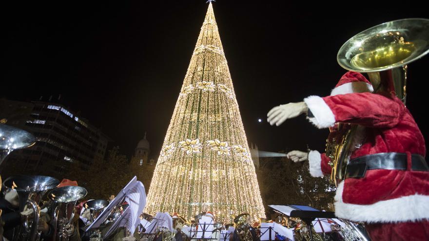 Descubre en qué barrios habrá árboles y luces de Navidad