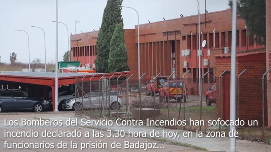 Los bomberos de Badajoz sofocan un incendio en el centro penitenciario